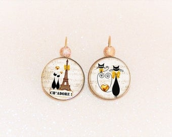 Earrings sleepers bronze cabochon cat in love with the Eiffel Tower