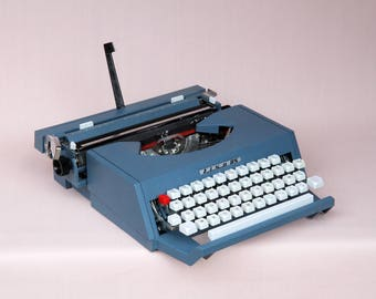 Vintage rare Antares LISA 85 1960 Italy, Ribbon, mid century collection blue typewriter, works