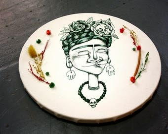 Crying Frida Kahlo portrait printed on canvas, round canvas with flowers
