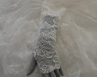 Long lace bridal fingerless gloves, fingerless gloves lace white wedding, long white gloves, wedding, long fingerless gloves white wedding