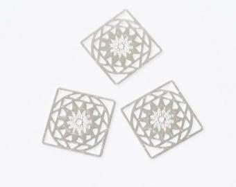 Estampes plaques ajourées en métal argenté (lot de 3)