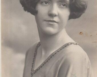 FREE POST - Old Postcard - Edwardian Woman Real Photo Postcard 1900s  - Vintage Postcard