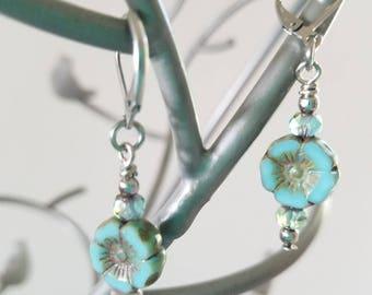 Beaded dangle earrings - turquoise