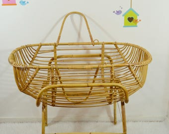 Cradle bassinet rattan on foot, raffan cradle