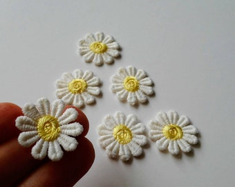 Flower patches Small patches Embroidered patches Flower appliques Sew on patch Embroidered daisies Daisy patches