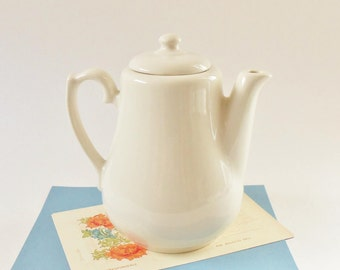 White China Tea or Coffee Pot - Vintage Homer Laughlin 2 Cup Minimalist Look Teapot - Classic Crisp Design - Made in USA