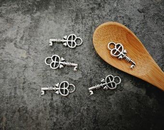 10 pcs, charms, keys, small antique key, silver, 18 x 8 mm