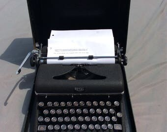 Royal Portable Quiet Deluxe Typewriter 1940's Hemingway Serviced in Excellent Condition