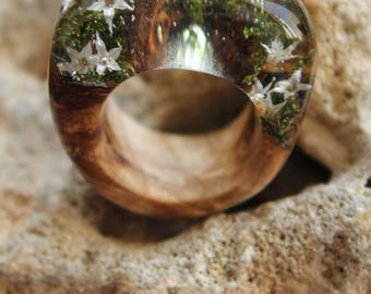 botanical ring resin real flower ring green moss jewelry white ring wooden woman jewelry woodland ring forest gift lover ring nature jewelry