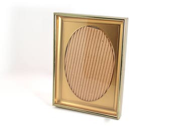 Vintage 5x7 gold-tone picture frame, oval opening - empty, metal, mid century, table stand, wedding frame, overall measurements 6x8