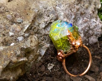 9.75 / Ocean Mermaid Crystal Quartz Sea Witch Lichen Seaweed Nature Iridescent Opal Opalite Copper Electroformed Resin Ring