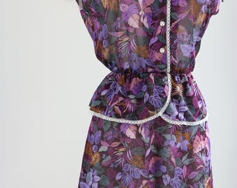 Pretty Peplum 1940s Style Floral Lace Trim Short Sleeve Gathered Elastic Waist Tie Shoulders Summer Fall Dress Size Medium Purple Gold Teal
