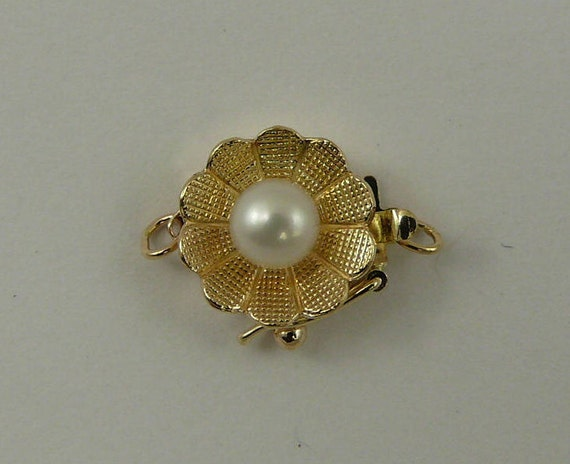 Freshwater White Pearl Clasp 14k Yellow Gold
