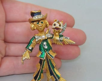 Vintage Scarecrow Brooch Enamel Rhinestone 1940s Strawman Novely Mid Century Figural Pin Gold Tone Unusual UK