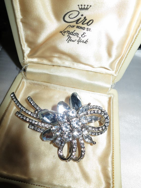 Vintage silvertone glass Flower Spray Brooch