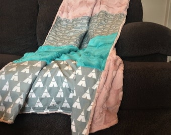 Teepee Arrow Faux Fur Quilted Blanket