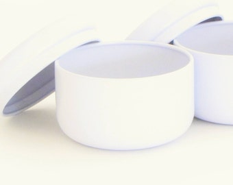 4 oz. WHITE Round Metal Tins & Lids (Set of 6), Painted, Seamless, Empty Containers for Candles, Gifts, Favors, Organization, Tea, Herbs