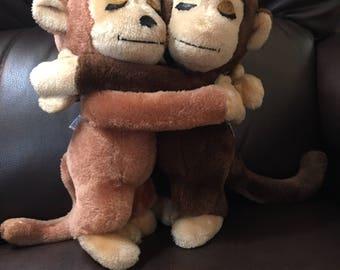 Vintage Dakin Hug Monkeys 1975
