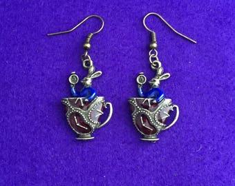 Alice in Wonderland earrings / teacup earrings / cool earrings
