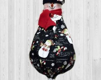 Snowman decoration, snowman decor, snowman gift, grocery bag holder, shopping bag holder, holiday decor, kitchen wall decor, kitchen storage