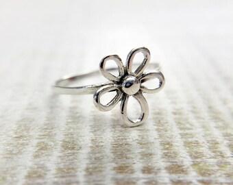 Daisy Ring, Flower Ring, Silver Daisy Ring