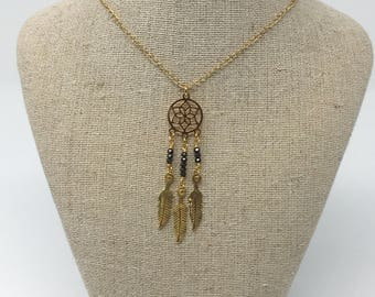 Dream catcher necklace in black