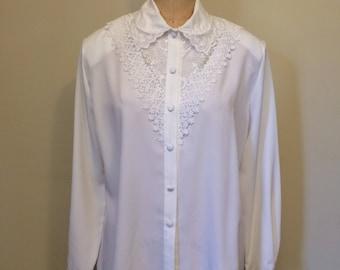 80's-90's White Lace Applique Button Down Blouse Size Large 12   Laura Scott   Shoulder Pads