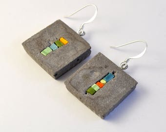 Women's earrings, mosaic green/purple and cement-collection. Chin.
