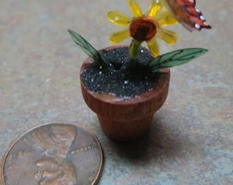Dollhouse Miniature Black eyed susan Fake plant with monarch buttetfly