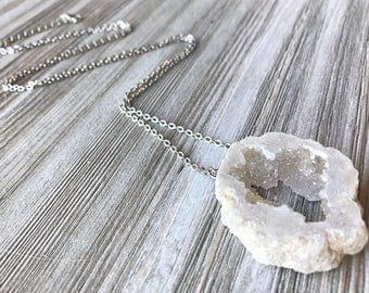 White Druzy Necklace // Long Necklace // Druzy Necklace // Clear Druzy Necklace // Natural Stone Necklace // Unique Necklace // Gift for Her