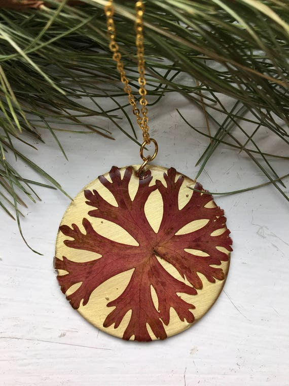 Hardy geranium leaf circle brass necklace