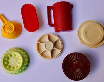 Vintage Tupperware Magnets,  Set Of 7, Vintage Refridgerator Magnets, Tupperware Party Giveaways, Vintage Tupperware