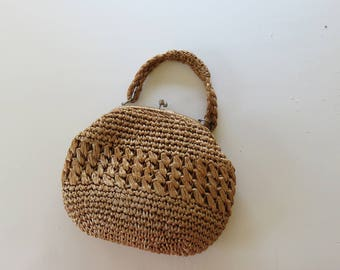 1950s Straw Raffia Hand Bag / Caramel Brown Purse / Snap Top Crochet Woven / True Vintage Handmade Classic Fifties Retro