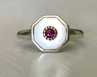 Estate Sterling Silver Mother of Pearl and Rhodolite Garnet Ring Size 9.5