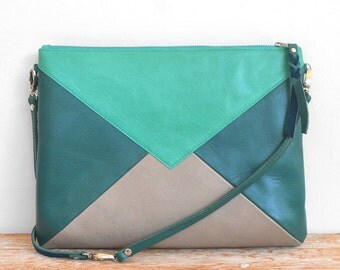 """Big pocket with emerald green """"WARNA"""" shoulder leather, green and gray"""