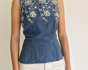 Vintage Chambray Embroider Fitted Shell | 50s Blue Denim Button Up | Blue Chambray Shirt | Flower Embroidery Shirt