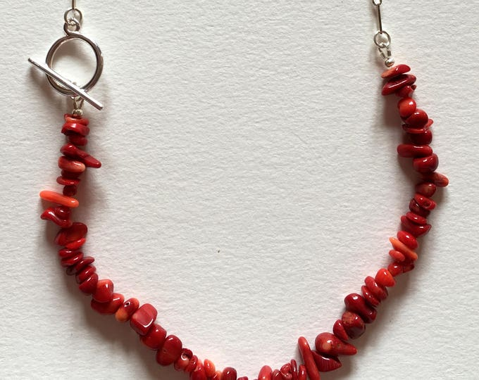 Red necklace, sea bambou and brass chain necklace