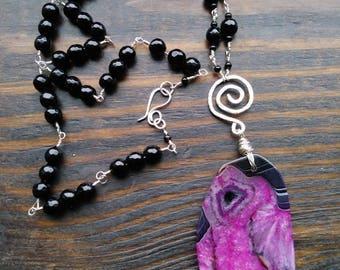 Dark Pink & Black Agate Necklace