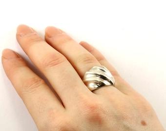 Vintage Modern Curved Design Ring 925 Sterling Silver RG 937-E