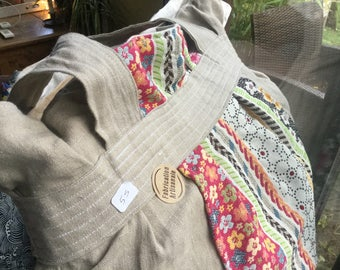 Great Tot bag linen and cotton with soft colors!