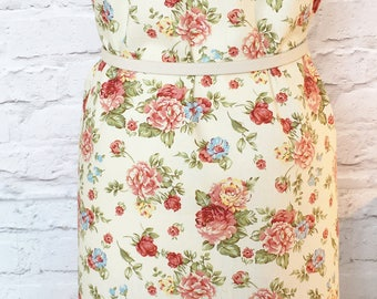 Floral fabric - cream flowers - Vintage Rose fabric - retro fabric - cotton - clothing fabric - cushions fabric