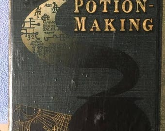 Harry Potter Advanced Potion-Making Book Box