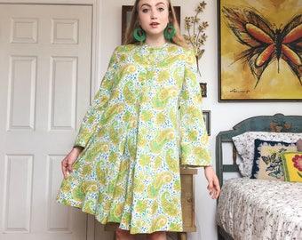 Vintage 60s // Paisley Pattern Dress