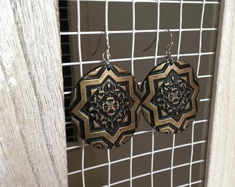 "Earrings ""Egypt"" black polymer clay shiny bronze reflections, ethnic motifs"