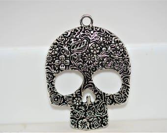 Sugar Skull Pendant, Large Skull Pendant, Day of the Dead Pendant, Halloween Pendant, Skull Focal, Dia de Los Muertos