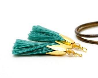 2 Emerald Green tassels, Pearl mustard, Golden Metal, Golden Tassel