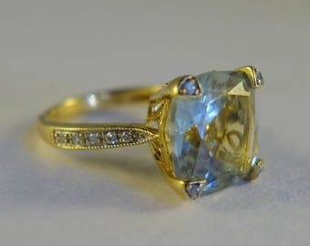 10K Yellow Gold ring with large Prasiolite, 14 accent Diamonds, and 4 small prasiolite - Size 5