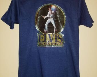 VTG Elvis Presley T-Shirt 70s Elvis The King Lives On Glitter Decal Downerwear Shirt