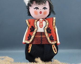 Vintage Bulgarian Wooden doll - National Dolls - Hand Painted Dolls - Handmade Doll - Оld Costume - Vintage Bulgarian Folklor