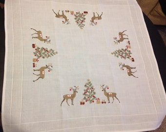 FREE SHIPPING--Christmas Tree and Reindeer Table topper--with gold